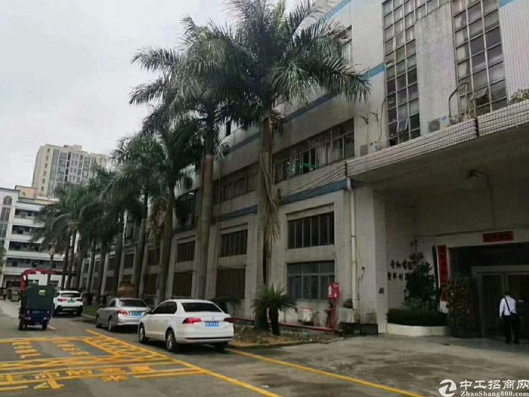 沙井大型工业区一楼带行车厂房出租3200平