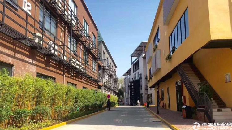 广州市天河黄村地铁口零距离写字楼三楼300平带装修