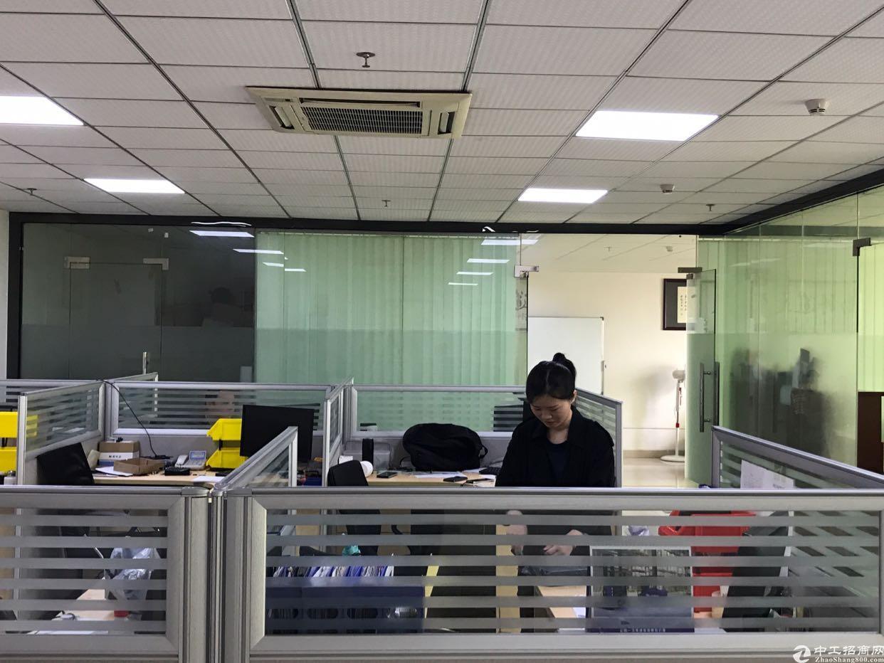 福永凤凰现有楼上精装修厂房面积860平带仓库