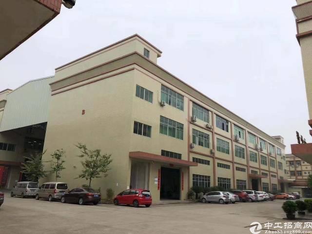 福永地铁口附近2楼精装修厂房加办公室招租。面积整层2100-图2