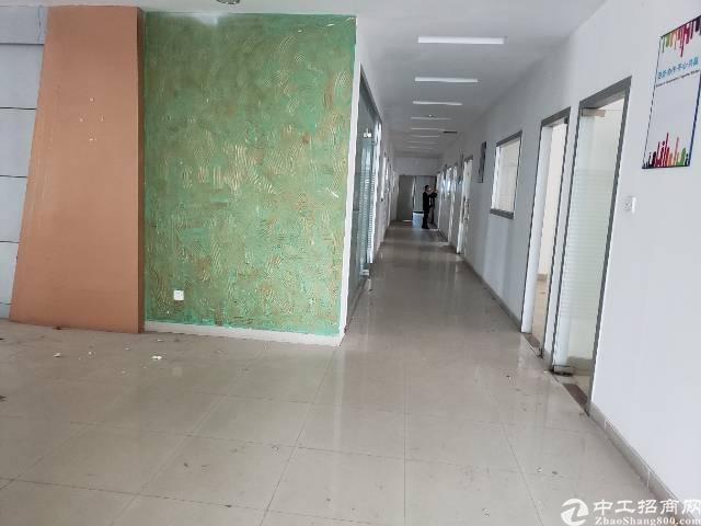 公明上村独院楼上整层2000平方精装修