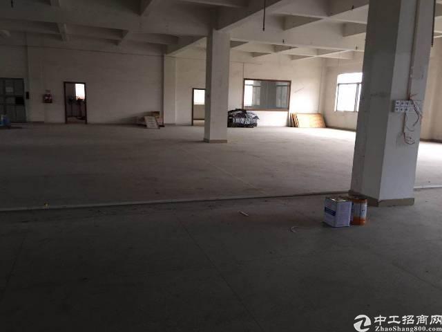 寮步镇自用厂房分租二楼一层2400平方岀租