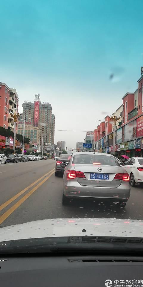 黄江镇中心商业街附近写字楼5000平方出租