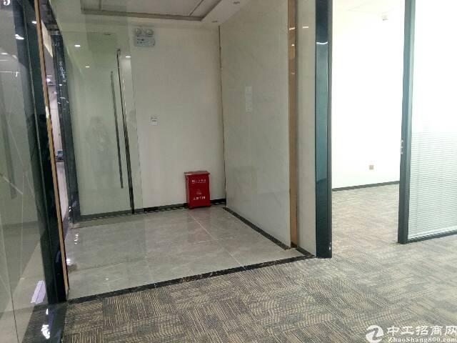 兴东地铁口精装修办公室150平可带家私