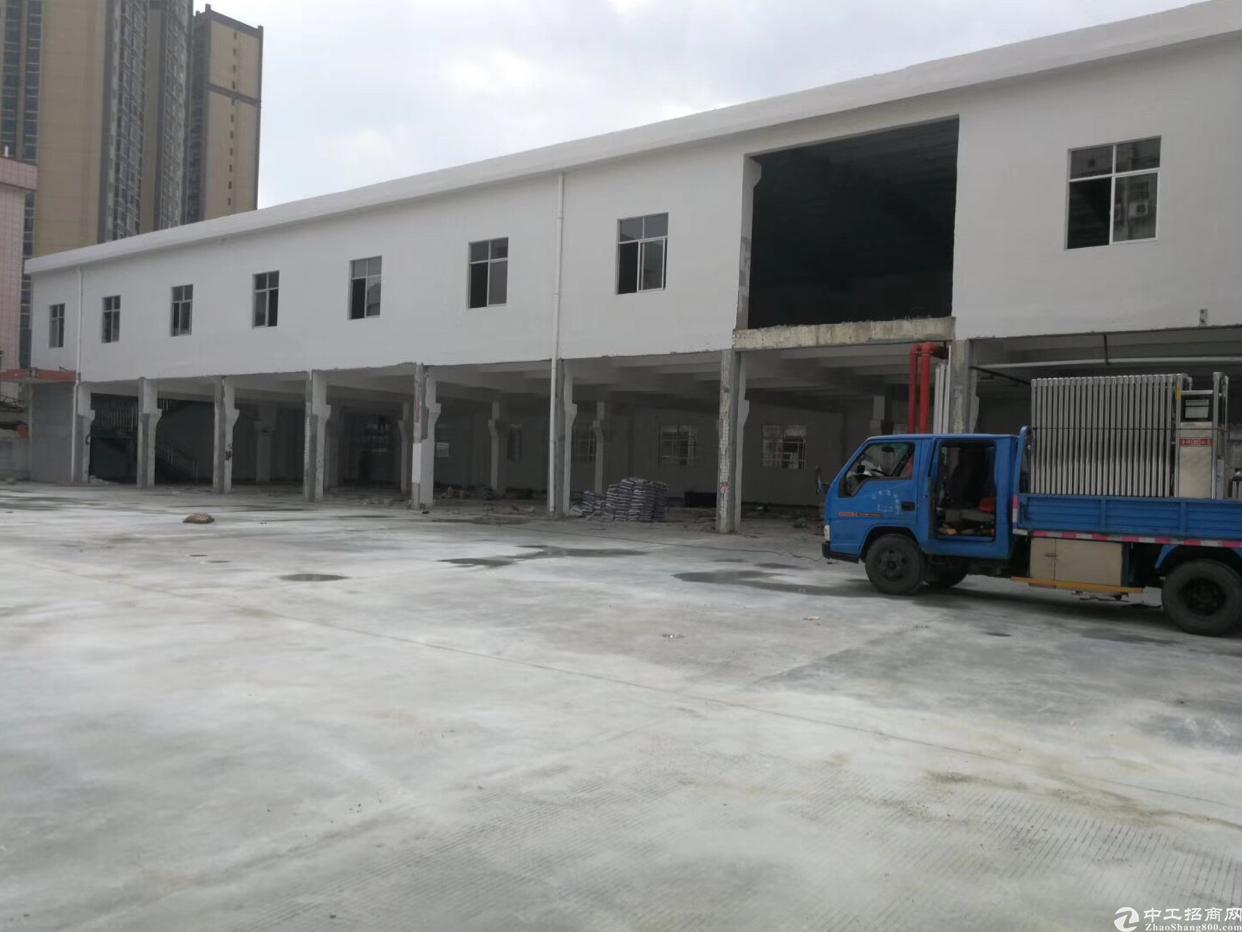 快递汽车美容客户的福利,独院两层2400空地和厂房一样大