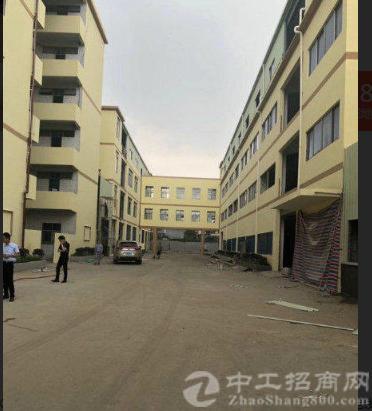 出租洪梅镇工业园三楼1650平米标准厂房,豪华办公室