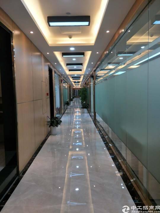 广州天河区小蛮腰附近精装修办公室,有公共会议厅洽谈室