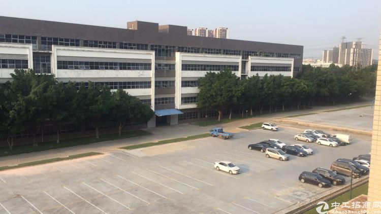 龙华清湖原房东厂房3400平出租,价格优惠10成使用率可分
