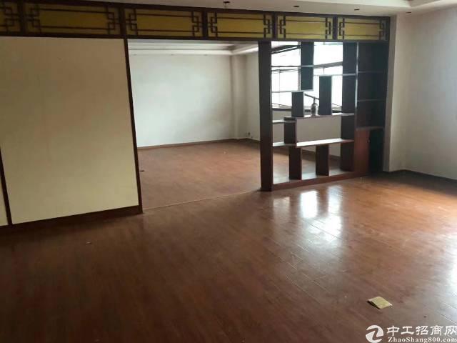 横岗大康新岀楼上1000平方米出租精装修全新地坪漆20每平