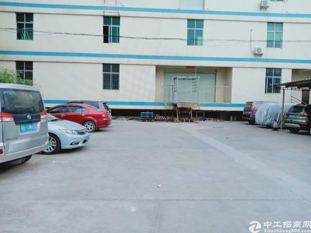 平湖鹅公岭村附近二楼厂房出租