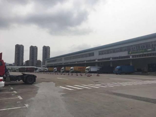 深圳龙华物流仓库1-3层共10000平带喷淋带卸货平台可分租