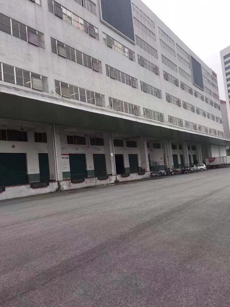 龙华梅林关新出仓库1-3层共10000平,货柜车平行