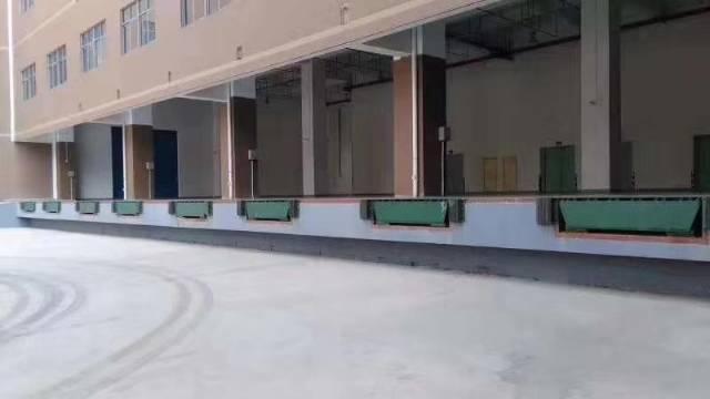凤岗雁田新出带卸货平台物流仓库2楼5000平