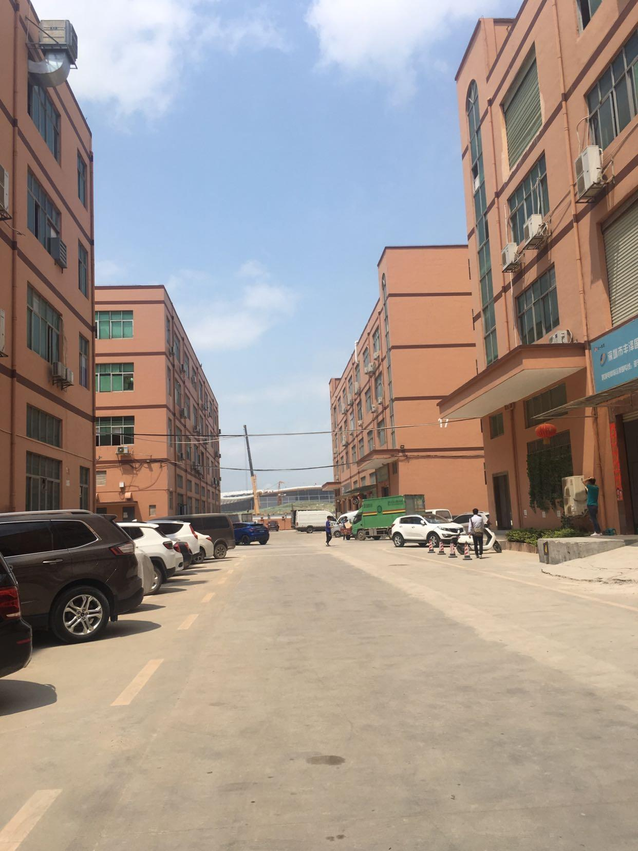 福永和平大型园区楼上480平米带装修厂房出租