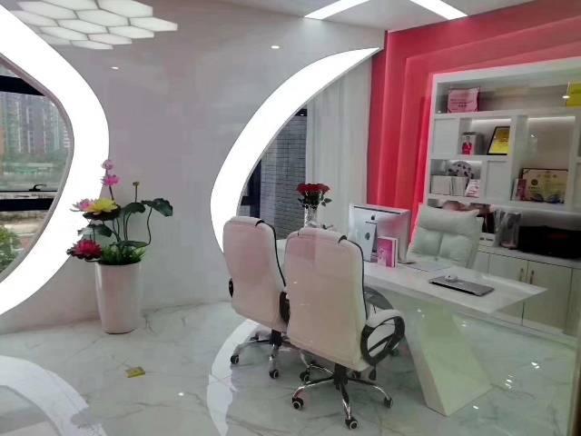 清湖地铁口附近精装修写字楼招租626平