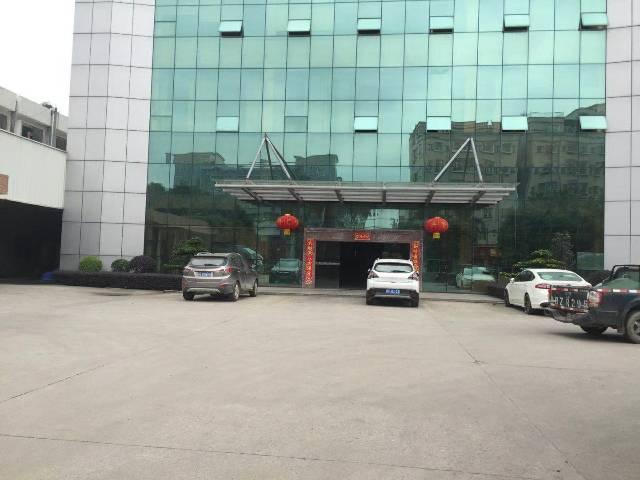 塘厦镇原房东分租楼上精装修厂房1800平方