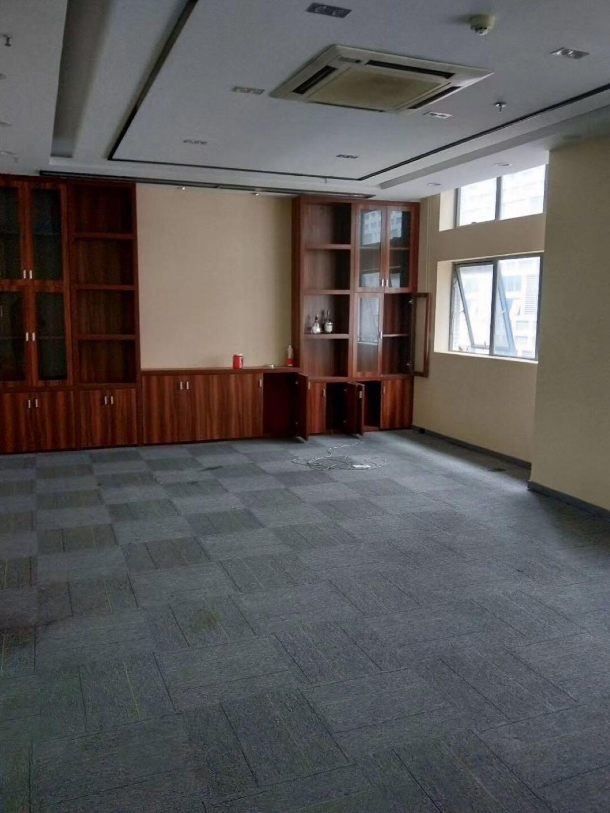 平湖华南城写字楼3000平方