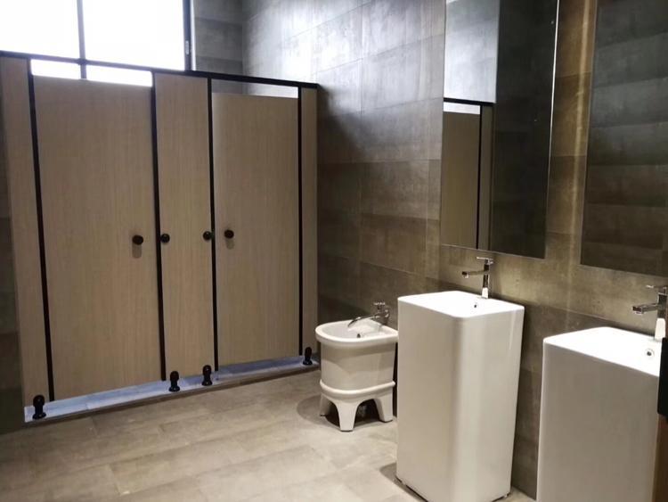 广州天河黄村地铁口零距离写字楼二楼157平带装修