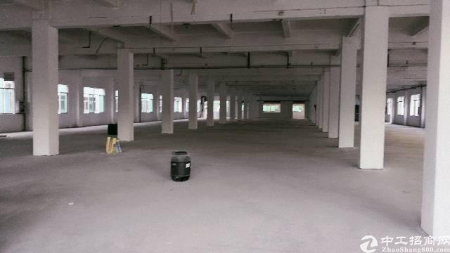 厚街镇涌口村带卸货平台一楼厂房4900平出租,形象好