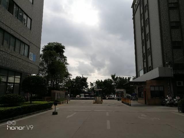 深圳市宝安公明花园式工业园30000平厂房出租300起租