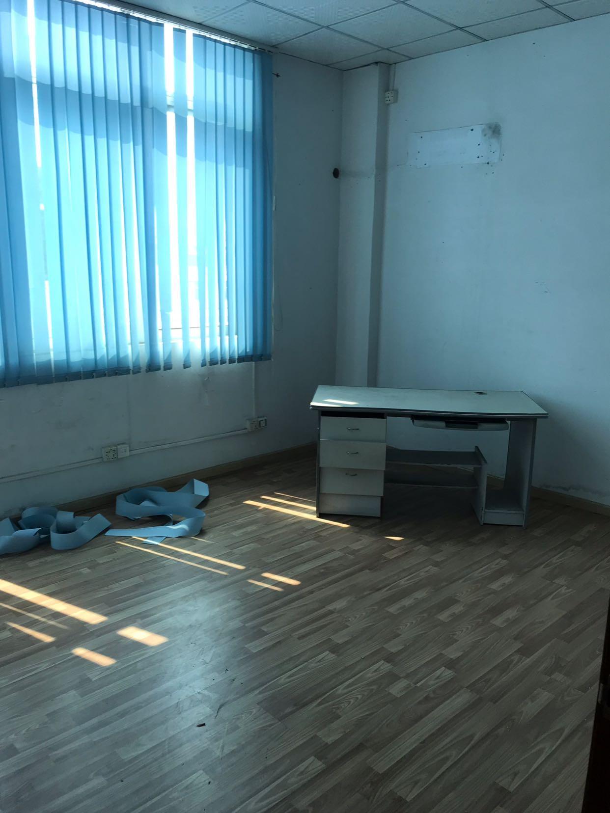 公明楼村松白路边新出1F精装修1000平方,办公室豪华装修