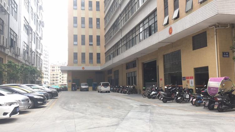 光明上村莲塘工业区新出楼上整层厂房3500百平带精装修办公室