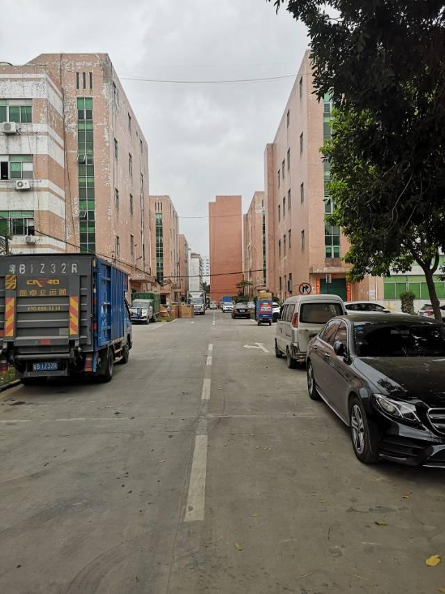 福永塘尾大型园区楼上整层3500平方