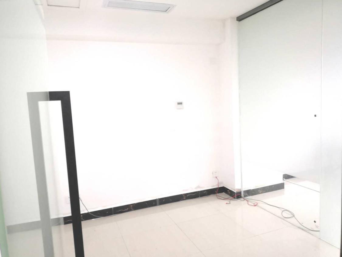 清湖地铁口联汇大厦业主直招豪华精装修拎包办公