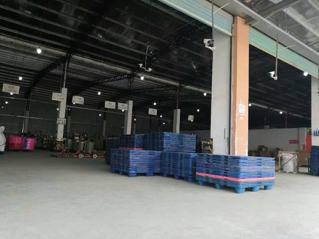 福永机场旁单一层物流仓2400平方