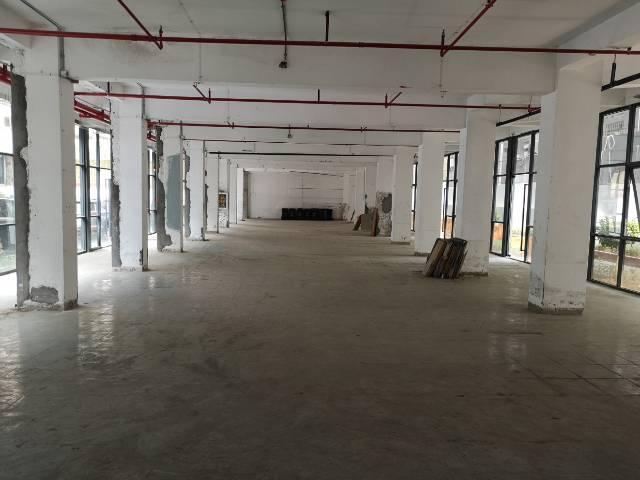 福永塘尾大型园区楼上整层3500平方-图2