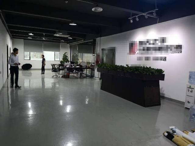 深圳市沙井宝安大道靠近地铁口楼上精装修1800平米厂房出招租-图3
