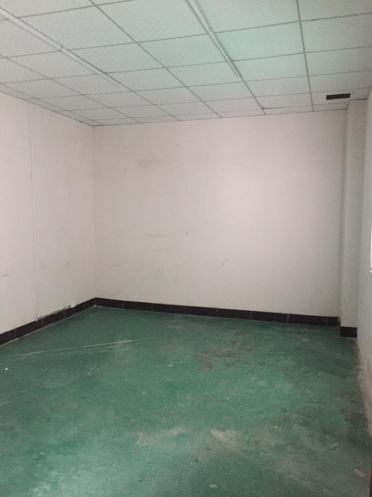 凤岗镇独院楼上400平厂房出租带装修办公室-图3