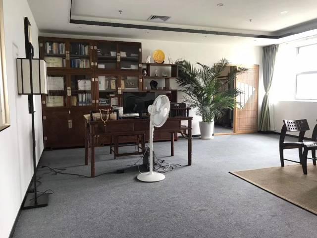 福永地铁口新出楼上原房东豪装办公室实际面积760出租-图5