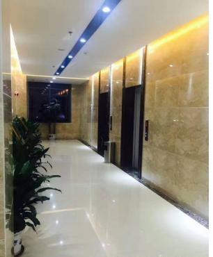 地铁站236平精装企业办公商务大厦