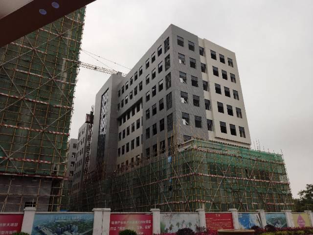 临近深圳主干道旁3500m²有红本可按揭全新标准厂房