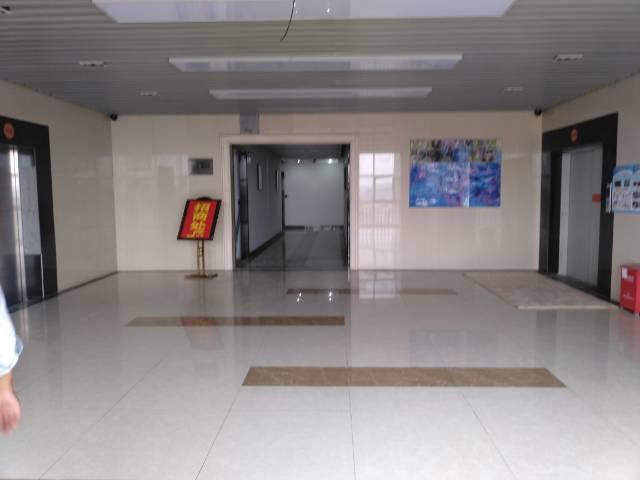 龙华富士康附近精装厂房办公室出租150-500平方大小出租
