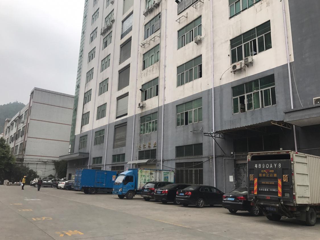 福永沿江高速出口附近出楼上500平方米带装修免转让费出租