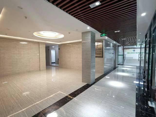天河区珠江新城CBD中心精装修写字楼68平起租