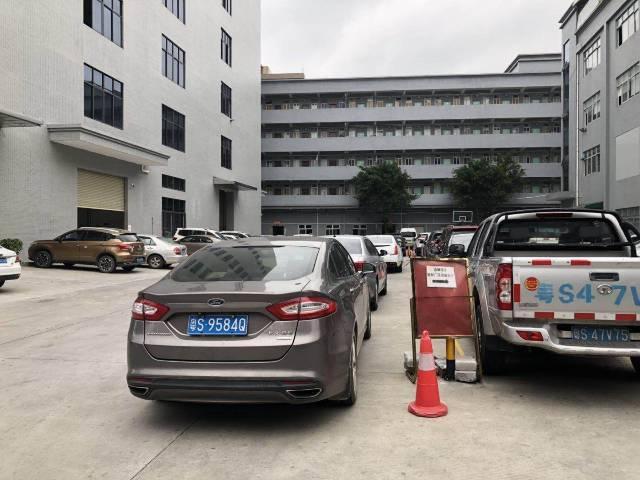 黄江镇北岸工业区2楼700平方米带精装修出租水电齐全招租