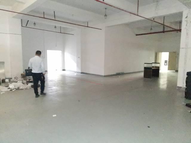 福永沿江高速口楼上新出1500平原房东红本厂房合同可签五年以-图3