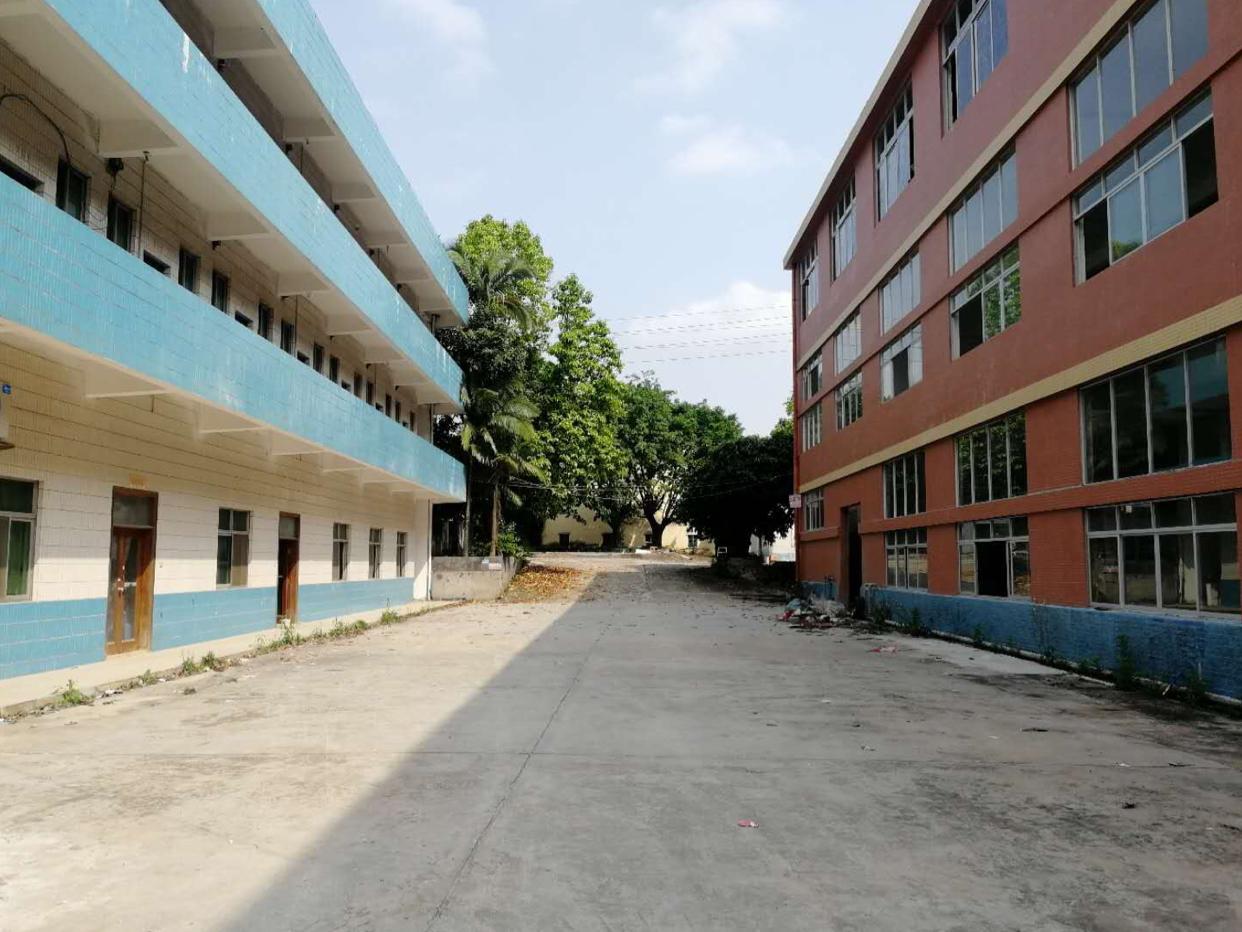 独门独院标准厂房1-3层4600平方,宿舍办公900平方,