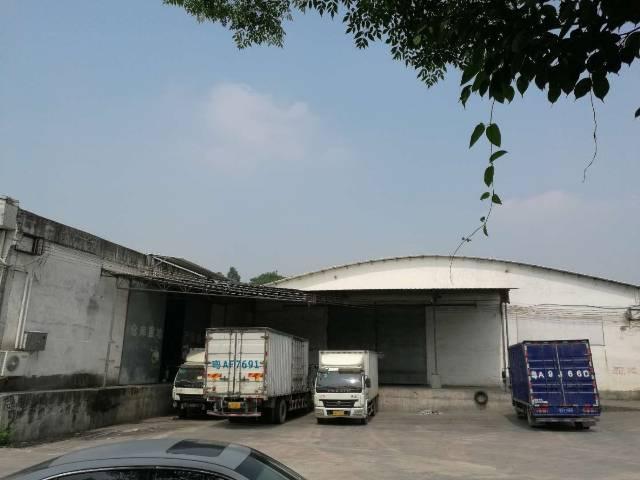 广州白云区大朗高速路口附近带缷货平台空地大仓库