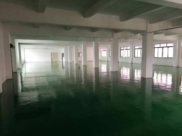 平湖山厦杉坑工业区三楼带办公室装修厂房650平方急租