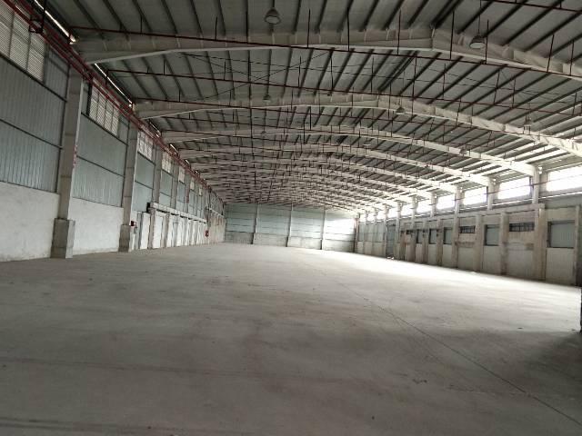 横岗大康超级钢构10000平物流仓有卸货平台