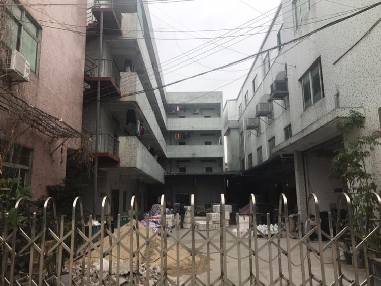 高埗镇高埗汽车站附近2600平方小独院出售