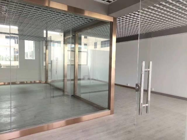 荷坳地铁口1公里内原房东30元精装修写字楼