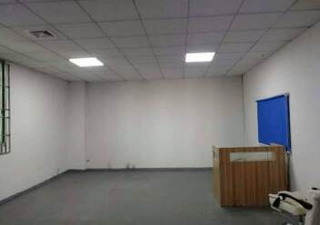 公明楼村新出楼上非常便宜的小面积厂房图片1
