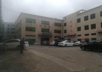 公明楼村大型园区新出楼上1200平图片5