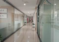 平湖华南城旁写字楼招租3万平米100平米起租