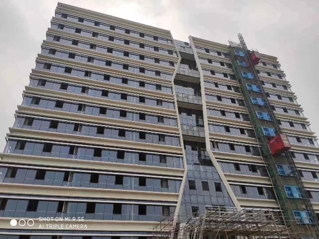 东莞全新厂房分层分单位出售,全玻璃幕墙形象一流
